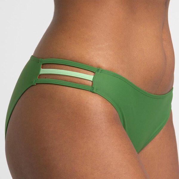 INASKA-Swimwear-Sportbikini-FREE-Lizard-Hose-Detail-VS.jpg