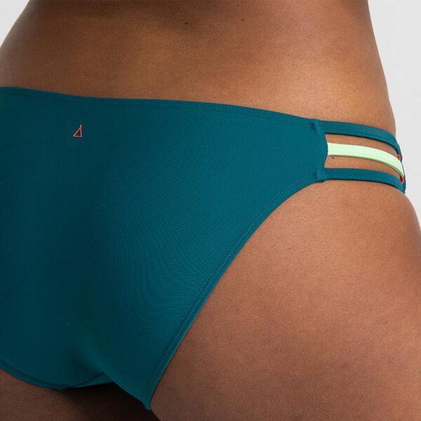 INASKA-Swimwear-Sportbikini-FREE-Moss-Hose-Detail.jpg